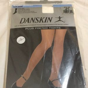 Danskin White 3X Plus Footed Tights